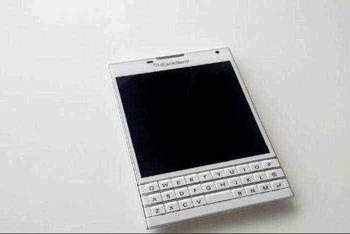 blackberry, passport, продажа